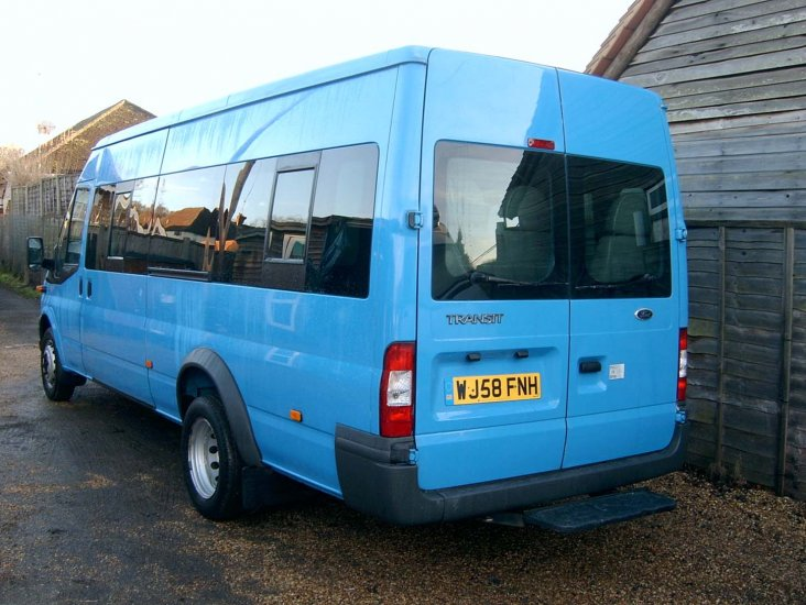 Ford Transit 17 Seater Minibus - Click Image to Close
