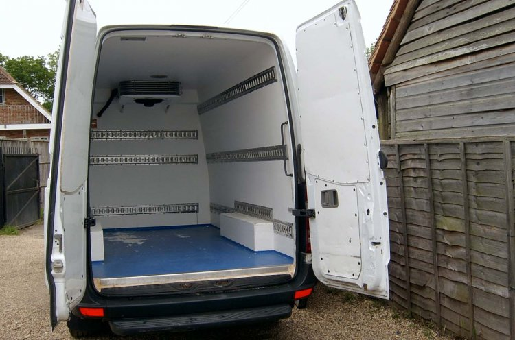 Mercedes Sprinter MWB Refrigerated 311CDi Standby Air Con - Click Image to Close